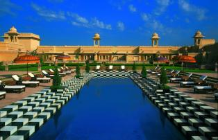 Asien Indien Udaipur The Oberoi Udaivilas TOUV Main pool_1920