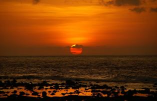 Asien Indonesien Indonesia - sunset at beach_1920